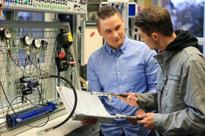 Auszubildenden zum Elektroniker für Automatisierungstechnik (m/w/d)