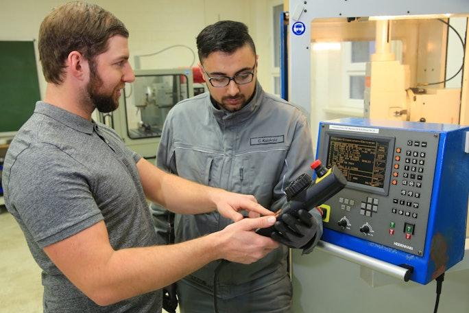 Auszubildenden zum Elektroniker (m/w/d) für Automatisierungstechnik
