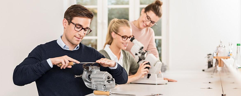 Ausbildung zum Augenoptiker (w/m/d) für 2021