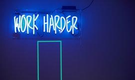 Arbeitssprüche: 9 motivierende Zitate für deinen Job.