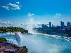 Stabile Wirtschaft, faszinierende Natur: Arbeiten in Kanada.