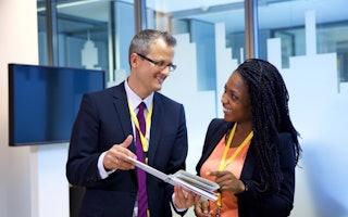 Eine wichtige Säule unserer Traineeprogramme: regelmäßiges Feedback mit Mentoren