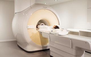 Patient Knie MRT