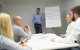 Training und Austausch im Service Center